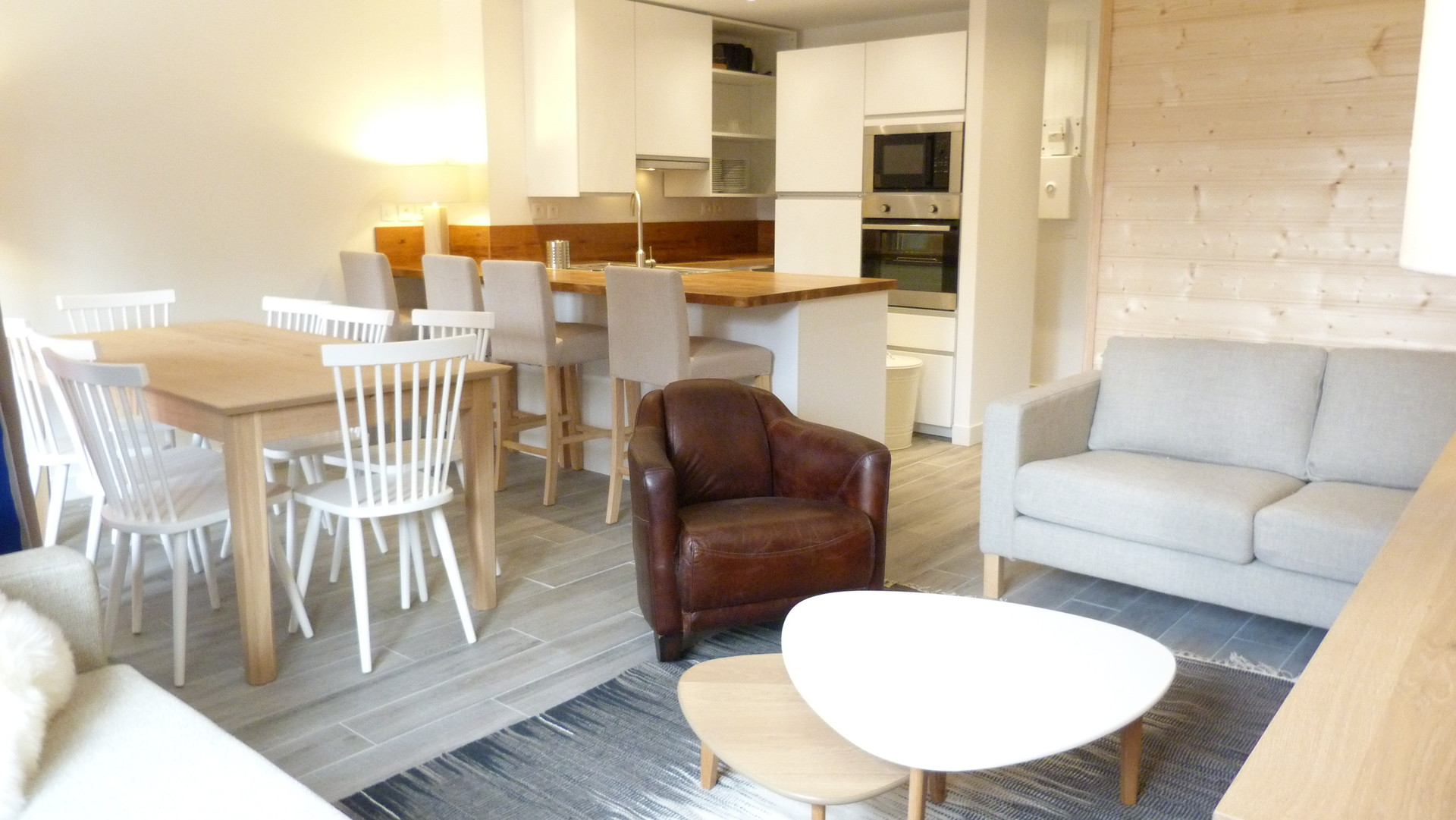 Appartement 4 pièces entièrement rénové pour 8...