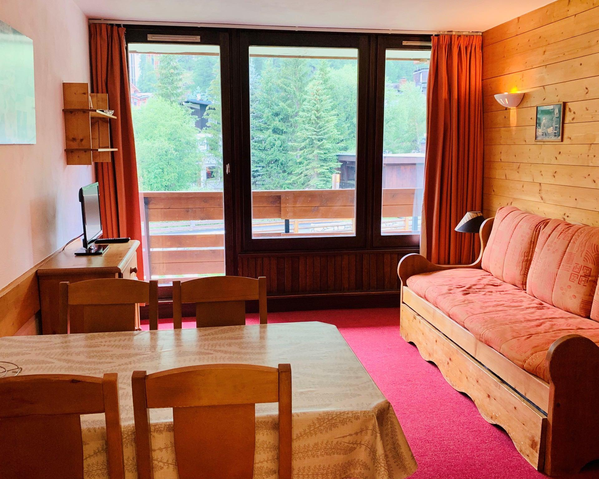 Comfortable studio with mountain corner for 4...